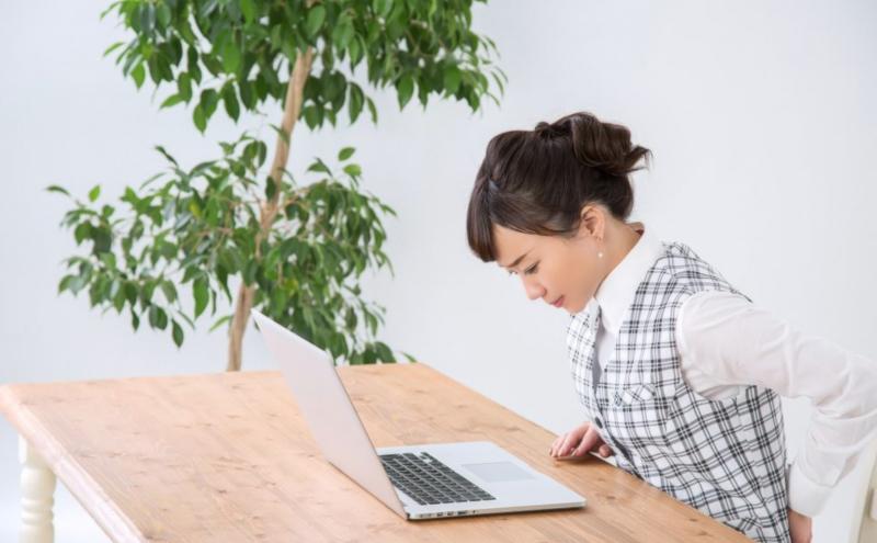 デスクワークの悩み、「腰痛」を解消するには?