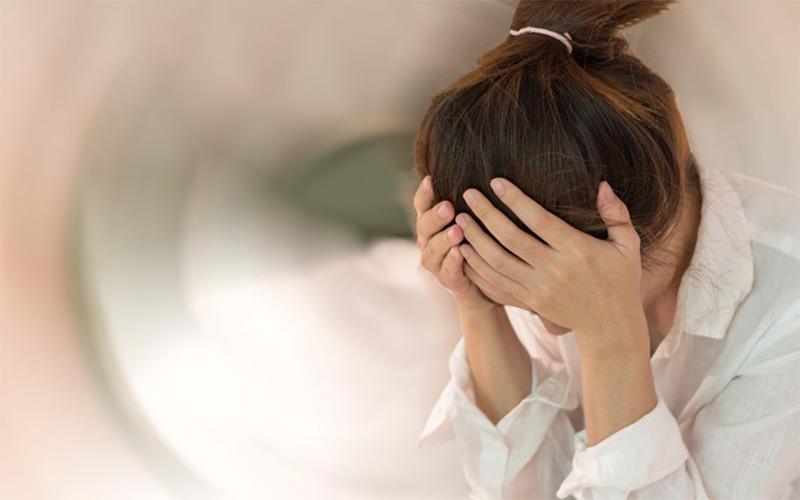 天気の変化でめまいや頭痛が起こる「気象病」。発症のメカニズムと治す方法は?